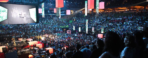 Microsoft and Free The Children welcome 15,000 youth to the first U.S. We Day to listen to great, live music; be inspired by celebrities and activists; and connect with one another around their common desire to change the world. Image credit: Microsoft