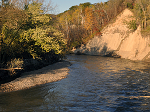 Bluffs along Minnesota River tributaries stand as stark reminders of this landscape's 13,000-year history of erosion. Image credit: University of Minnesota