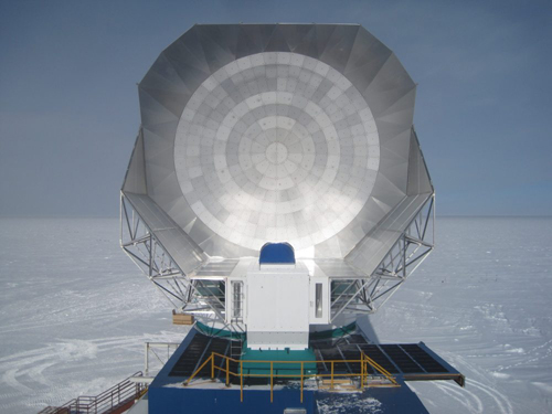 New extended shielding was completed on the 10-meter South Pole Telescope shortly after this photo was taken in January 2013. The discovery of the luminous star-forming galaxies from the early universe was found in the large millimeter-wave survey recently completed with the SPT. Photo by Erik Nichols
