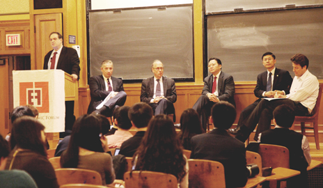 Pictured at the panel (from left) Jeffrey Sonnenfeld, Klaus Kleinfeld, Stephen Roach, X. Rick Niu, Mingqiang Bi, and moderator Peter Schott. (Photo by Jian Li '12)