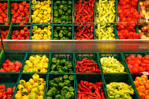 All varieties of peppers are in the same botanical family as tobacco. A new study shows that eating peppers may reduce the risk of Parkinson's disease. Image credit: Petr Kratochvil