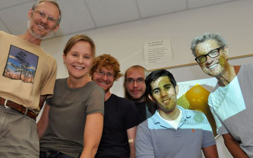 Michod's lab group (left to right): Patrick Ferris, Deborah Shelton, Erik Hanschen, Zachariah Grochau-Wright, David Shahnooshi and Rick Michod. (Photo by: Patrick McArdle/UANews)