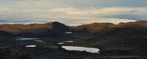 Mountainous tundra of West Greenland near the inland ice sheet. Image credit: Jeff Kerby, Eric Post lab, Penn State Univ.