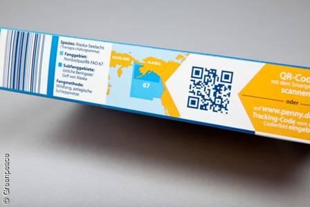 Über den QR Code oder Trackingcode bieten einige Unternehmen dem Verbraucher einzelne Informationen über die Lieferkette des Fischproduktes an. Greenpeace fordert eine vollständige Rückverfolgbarkeit. Image Copyright: © Greenpeace