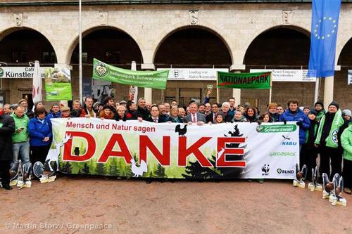 Freude unter den Umweltverbänden - der Nationalpark Schwarzwald ist beschlossen. Image copyright: © Greenpeace
