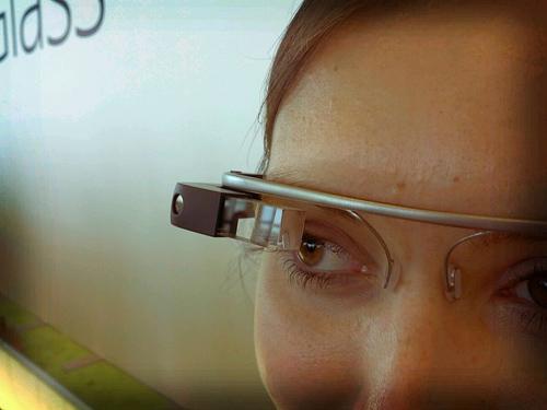 Google Glass. Author: Antonio Zugaldia (Image source: Wikipedia)