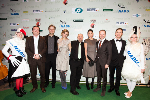 Jury-Mitglieder Green Me 2013: Leif Miller, Nic Niemann, Nina Eichinger, Bernward Geier, Minu Barathi, Karsten Schwanke, Gedeon Burkhard (v. li.). Image credit: Christian Klant