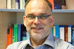 Prof. Dr. Friedrich W. Herberg. Foto credit: Uni Kassel