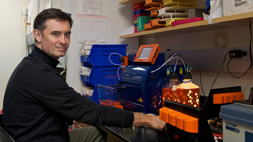 Dr. Janko Nikolich-Žugich and other UA researchers are learning more about why immune system response declines with age. Image credit: University of Arizona