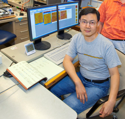 Junqiao Wu is a physicist who holds joint appointments with Berkeley Lab's Materials Sciences Division and UC-Berkeley's Department of Materials Science and Engineering. (Photo by Roy Kaltschmidt)