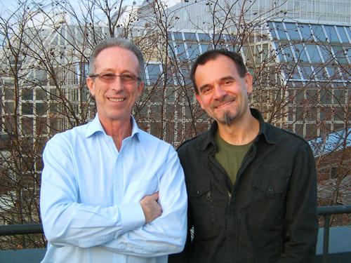 Virenökologe Peter Peduzzi (li) und Phykologe (Algenforscher) Michael Schagerl (re) vom Department für Limnologie und Ozeanographie der Universität Wien. (Image copyright: Michael Schagerl)
