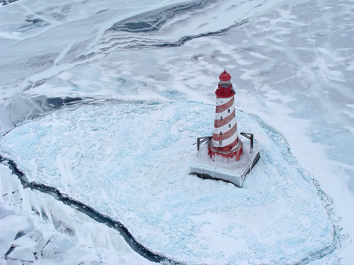 White Shoal Light, Lake Michigan. This lighthouse is home to one of five Great Lakes year-round evaporation-monitoring stations. Image credit: Dick Moehl