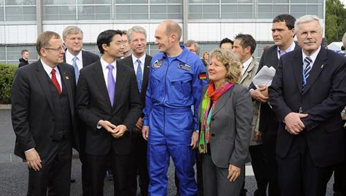 Hoher Besuch beim Tag der Luft- und Raumfahrt. Image credit: DLR