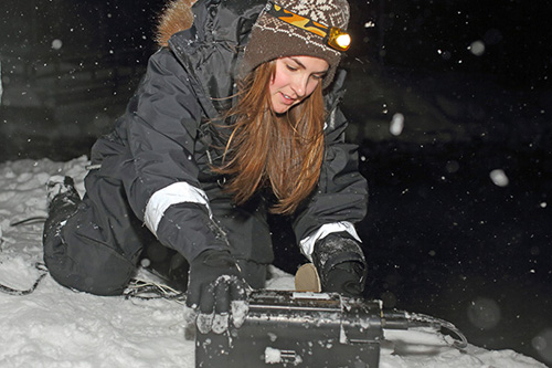 Graduate student Heather Cronin conducting fieldwork in Norway's polar night. Photos by Jan Sivert Hauglid/UNIS, courtesy of Kaytee Pokrzywinski, and by Heather Cronin
