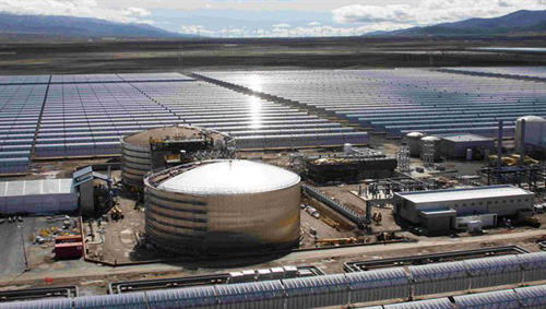 Solarkraftwerk Andasol 1 im Süden Spaniens. Image credit: DLR