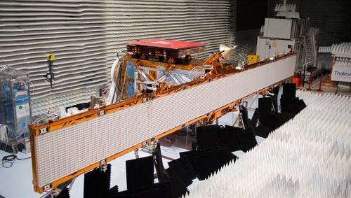 Sentinel-1A beim Frequenztest. Image credit: DLR