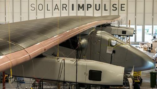 Zweiter SolarImpulse-Prototyp HB-SIB im Netz der DLR-Sensoren zur Schwingungsanalyse. Image credit: DLR
