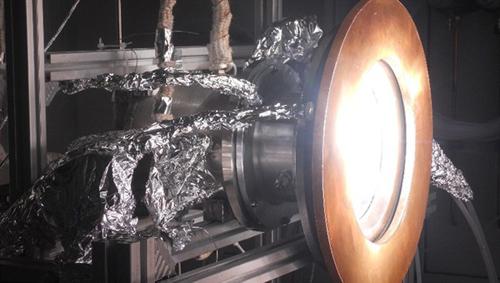 Solarreaktor zur Erzeugung des Synthesegases. Image credit: DLR