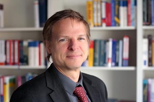 Prof. Dr. Christian Klein (Foto credit: Uni Kassel)