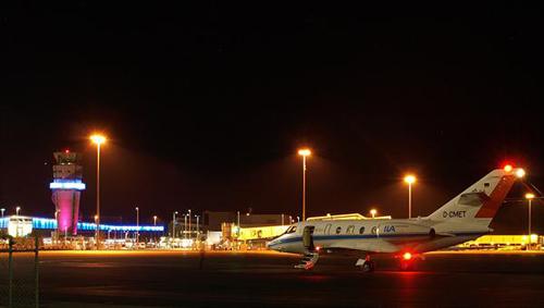 Damit die Lasermessungen möglichst störungsfrei verlaufen, finden die Forschungsflüge ausschließlich in der Nacht statt. Image credit: DLR