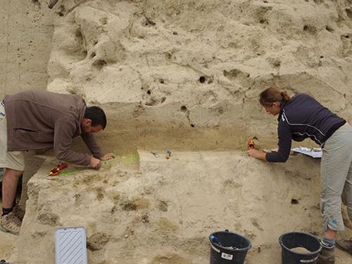 Ausgrabungen in Willendorf II (Image copyright: The Willendorf Project, Philip R. Nigst, Bence Viola).