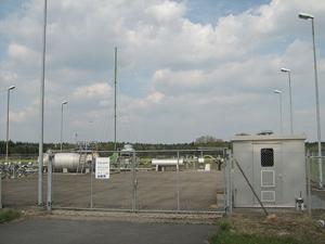 Erdgasförderanlage. Image credit: Florian Koch (Source: Wikipedia)