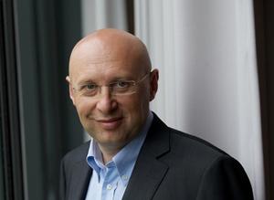 Stefan W. Hell. Photo credit: © Bernd Schuller, Max-Planck-Institut für biophysikalische Chemie