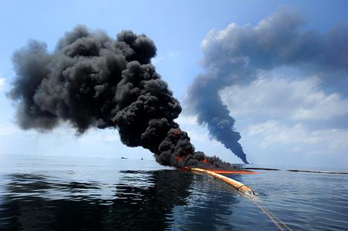Photo credit: Petty Officer 2nd Class Justin Stumberg (Source: Wikimedia Commons)