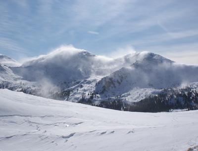 Mit SNOWPAT soll eine flächendeckende Zeitreihe österreichischer Schneebedeckung mit Tagesauflösung über 120 Jahre erstellt werden. (Foto credit: Ulrich Strasser)