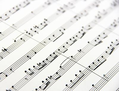 Ergebnisse zeigen, dass Musik nicht nur unsere Emotionen beeinflusst, sondern auch andere Fähigkeiten fördert. (Bild credit: Uni Innsbruck)