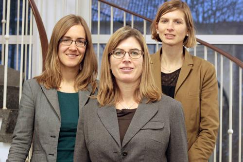 Die Studie wurde erstellt von (v.l.) Johanna Braukmann, Prof. Dr. Sandra Ohly, Dr. Antje Schmitt.  Foto credit: Uni Kassel