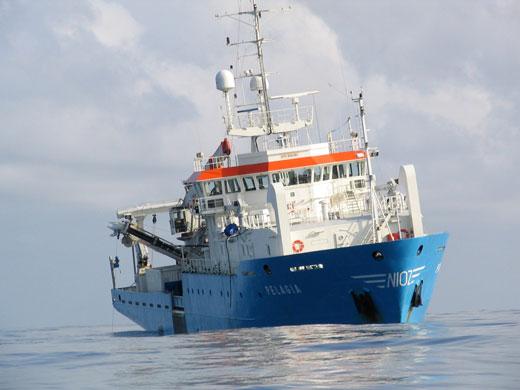 Das Forschungsschiff Pelagia (Image copyright: Adam Snow).