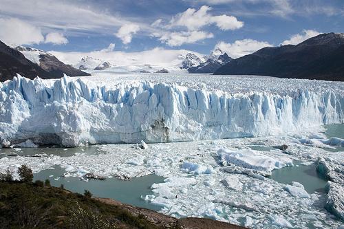 Der antarktische Eisschild mit seinem enormen Eisvolumen spielt eine wesentliche Rolle für den langfristigen Meeresspiegelanstieg. (Image credit: Luca Galuzzi. Licensed under CC BY-SA 2.5 via Wikimedia Commons)