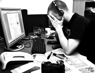 Durch die Arbeitsstrukturen in einer leistungsorientierten Gesellschaft können die ArbeitnehmerInnen krank werden. Bild credit: Phil and Pam Gradwell (philandpam) (CC BY 2.0): https://creativecommons.org/licenses/by/2.0/