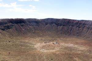 Der Meteor Crater in Arizona/USA mit circa 1,2 Kilometer Durchmesser ist der wohl bekannteste Einschlagskrater. In dieser Größenklasse muss es noch etliche unentdeckte, allerdings ältere und weitaus schlechter erhaltene Krater geben. Foto credit: Thomas Kenkmann