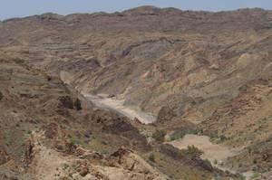 Kerman-Gebirge mit dem Tal des Halil Rud-Flusses, der Lebensader der Jiroft-Kultur. Foto credit: Prof. Dr. Peter Pfälzner