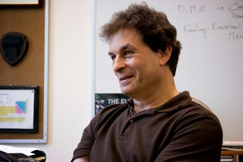 UCLA distinguished professor Ric Kaner. Image credit: Tunde Akinloye/CNSI