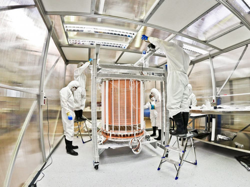 Scientists assemble the XENON1T dark matter detector in the Gran Sasso Underground Laboratory in Italy. UChicago physicist Luca Grandi and his research group played a key role in preparing and assembling the xenon detector. Image courtesy of XENON1T Collaboration