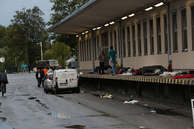 Refugees stuck in Salzburg (Austria) on their way to Germany in September 2015. Image credit: Eweht (Source: Wikipedia)