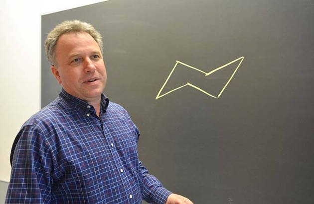 Jonathan Ellman is this year's winner of the Dylan Hixon '88 Prize for Teaching Excellence in Natural Sciences and Mathematics. (Photo by Michael Marsland)