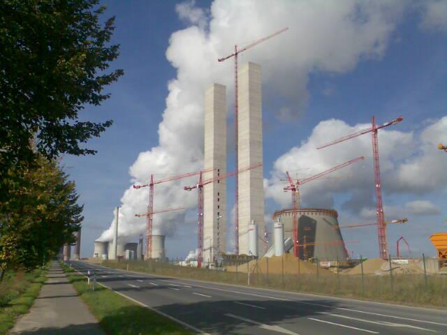 Braunkohlekraftwerk BoA Neurath. Image credit: Markus Schweiß (Source: Wikipedia)