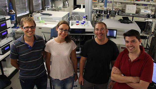 Thomas Nägele, Ella Nukarinen, Wolfram Weckwerth und Valentin Roustan vom Department für Ökogenomik und Systembiologie (Image copyright: Universität Wien).