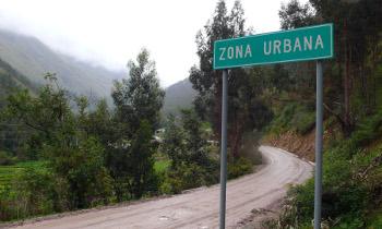Das andine Shullcas-Tal, am Rande der peruanischen Gebirgsstadt Huancayo, ist auf dem Weg in ein urbanes Zeitalter. (Image credit: Andreas Haller)
