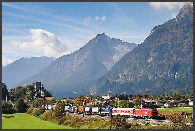 Viele Tourismusbetriebe in Tirol - im Bild ein Blick ins Kühtai - sind oft schon seit Generationen in Familienhand. Image credit: kuknauf (Source: Flickr)