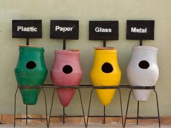Mülleimer verwenden wir nicht nur, aber auch, weil wir bei Nicht-Benutzung soziale Strafe befürchten. Image credit: Watt-für-Bilder (Source: Flickr)