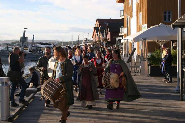 In Tønsberg, Norwegens ältester Stadt werden die berühmten Wikingerschiffe neu hergestellt ‒ hier findet auch das jährliche Wikinger-Festival statt. Foto credit: Nina Nordström