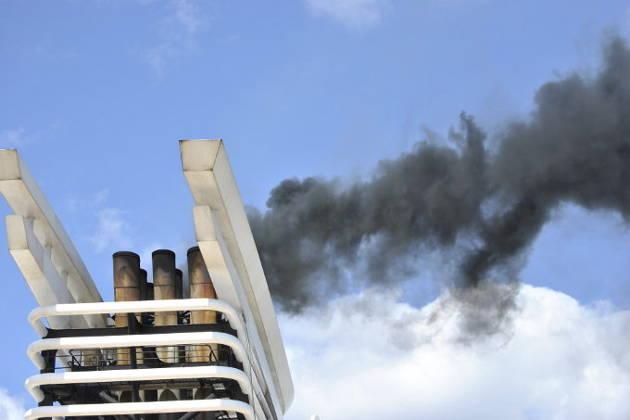 Schiffsabgase sind eine immense Belastung für Umwelt und Gesundheit – Foto credit: NABU/Schulte