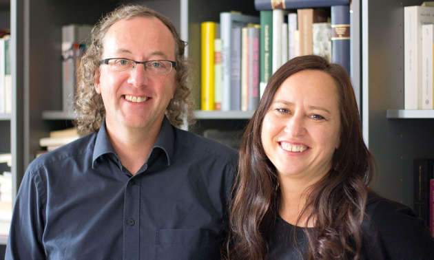Hermann Mitterhofer und Pia Andreatta leiten den Universitätskurs Traumapädagogik ab Herbst 2017. (Bild credit: Uni Innsbruck)