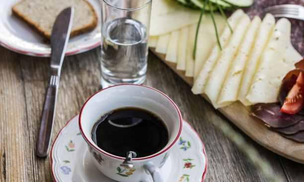 Frühstück in der Ferienregion Wilder Kaiser. (Image credit: Tirolwerbung/TVB Wilder Kaiser)