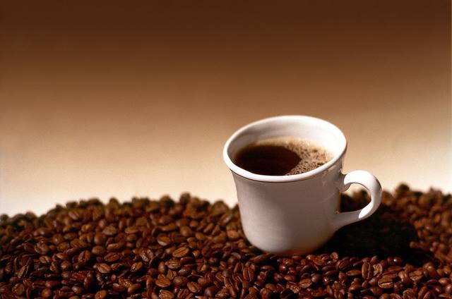 Koffein beeinflusst die Magensäureausschüttung über Bitterrezeptoren im Mund und Magen. Image credit: Rafael Saldaña (Source: Flickr)